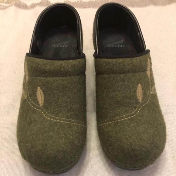 Dansko Shoes Felt Type Textured Clogs Size 39 Euc Poshmark